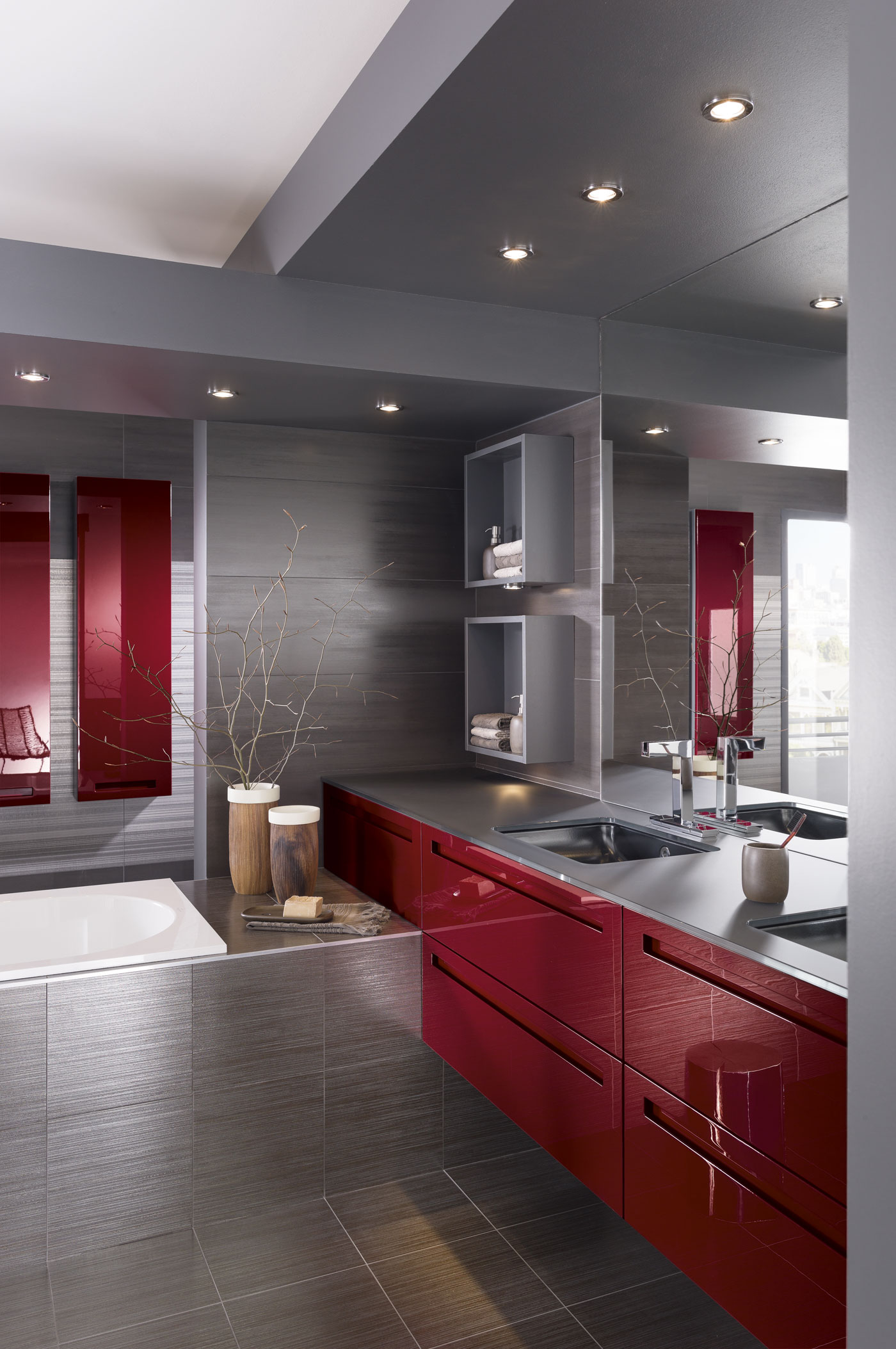 Salle de bain iway laqu rouge rubis brillant perene lyon - Salle de bain perene prix ...
